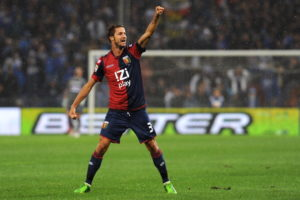 Luca Antonini, dopo il gol alla Samp (Photo by Valerio Pennicino/Getty Images)