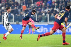 Il sinistro di Rossi (foto di Genoa CFC Tanopress)