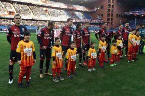 Squadra ai blocchi di partenza (foto di Genoa CFC Tanopress)