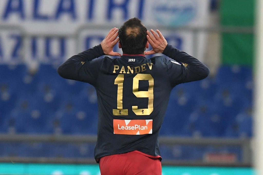 Goran Pandev dopo il gol alla Lazio (foto di Genoa CFC Tanopress)