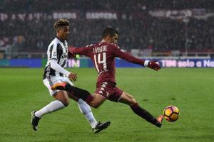 Iago Falque supera Mario Lemina in Torino-Juventus (Foto Valerio Pennicino/Getty Images)