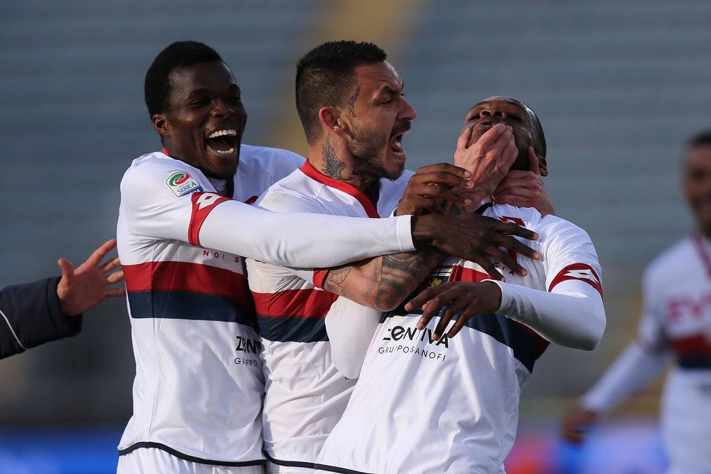 Oliver Ntcham festeggiato da Cofie e Pinilla dopo il suo gol contro l'Empoli (Foto Gabriele Maltinti/Getty Images)