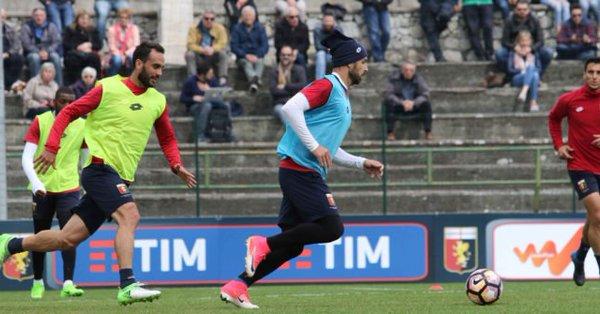 Gentiletti e Veloso in allenamento (Foto Genoa cfc/Tanopress)