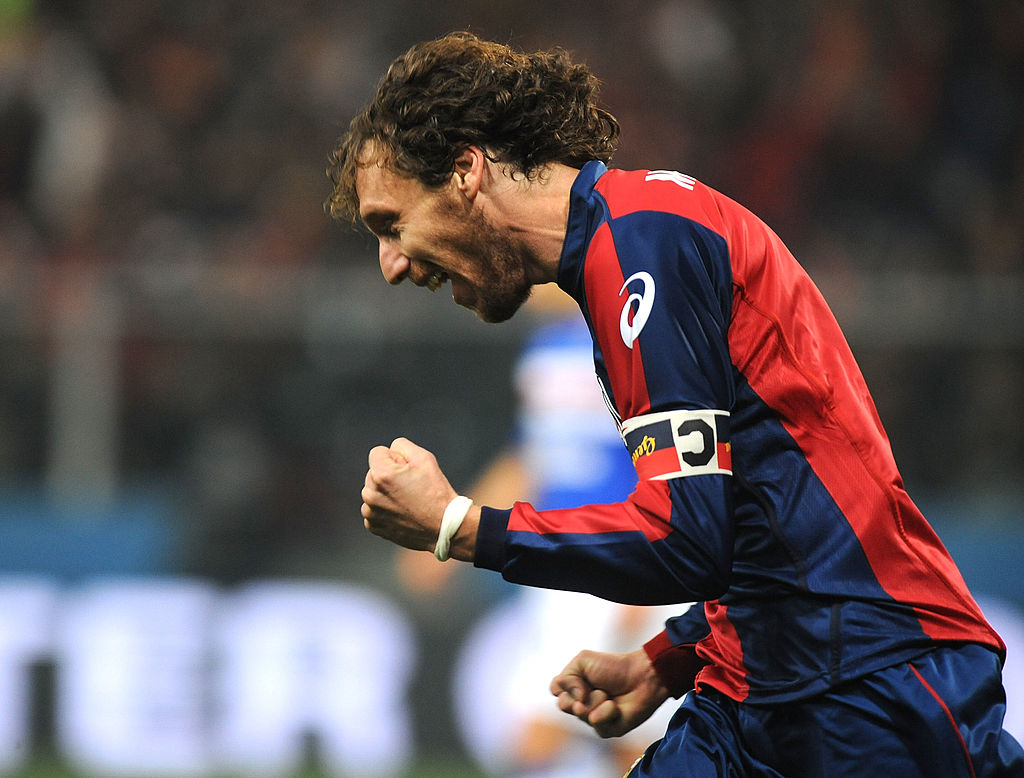 GENOA, ITALY - NOVEMBER 28: Marco Rossi of Genoa celebrates after scoring the 2:0 goal during the Serie A match between Genoa CFC and UC Sampdoria at Stadio Luigi Ferraris on November 28, 2009 in Genoa, Italy. (Photo by Massimo Cebrelli/Getty Images)