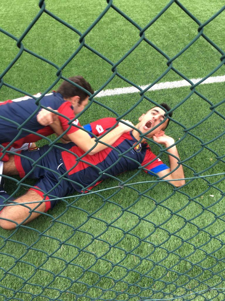 Fabio Calasso esulta dopo il gol in Genoa-Monza 7-0 campionato Quarta Categoria