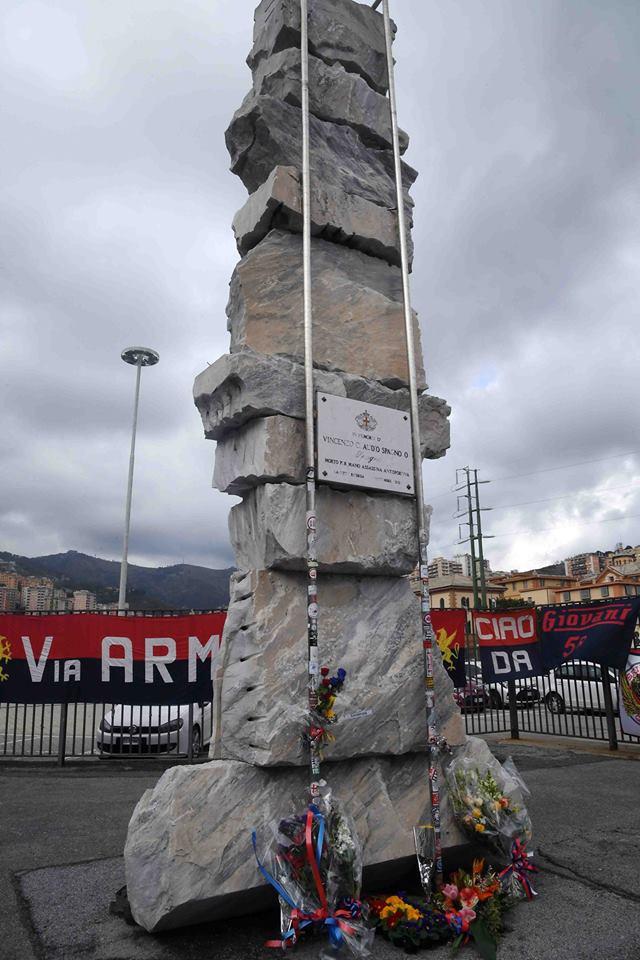 Il monumento a Spagna (Foto Genoa cfc Tanopress)