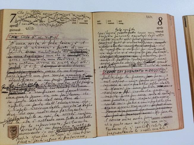 Riproduzione diari di De Andrè (Foto Pianetagenoa1893.net)