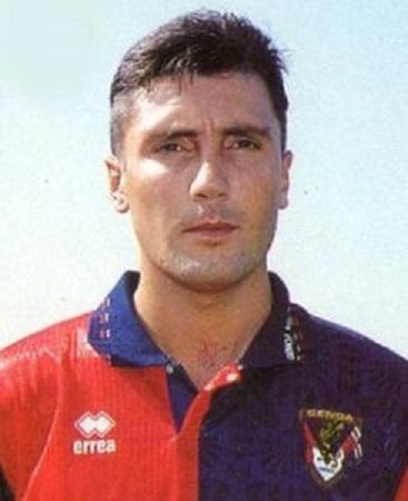 Valeriano Fiorin con l maglia del Genoa (Foto Wikipedia)