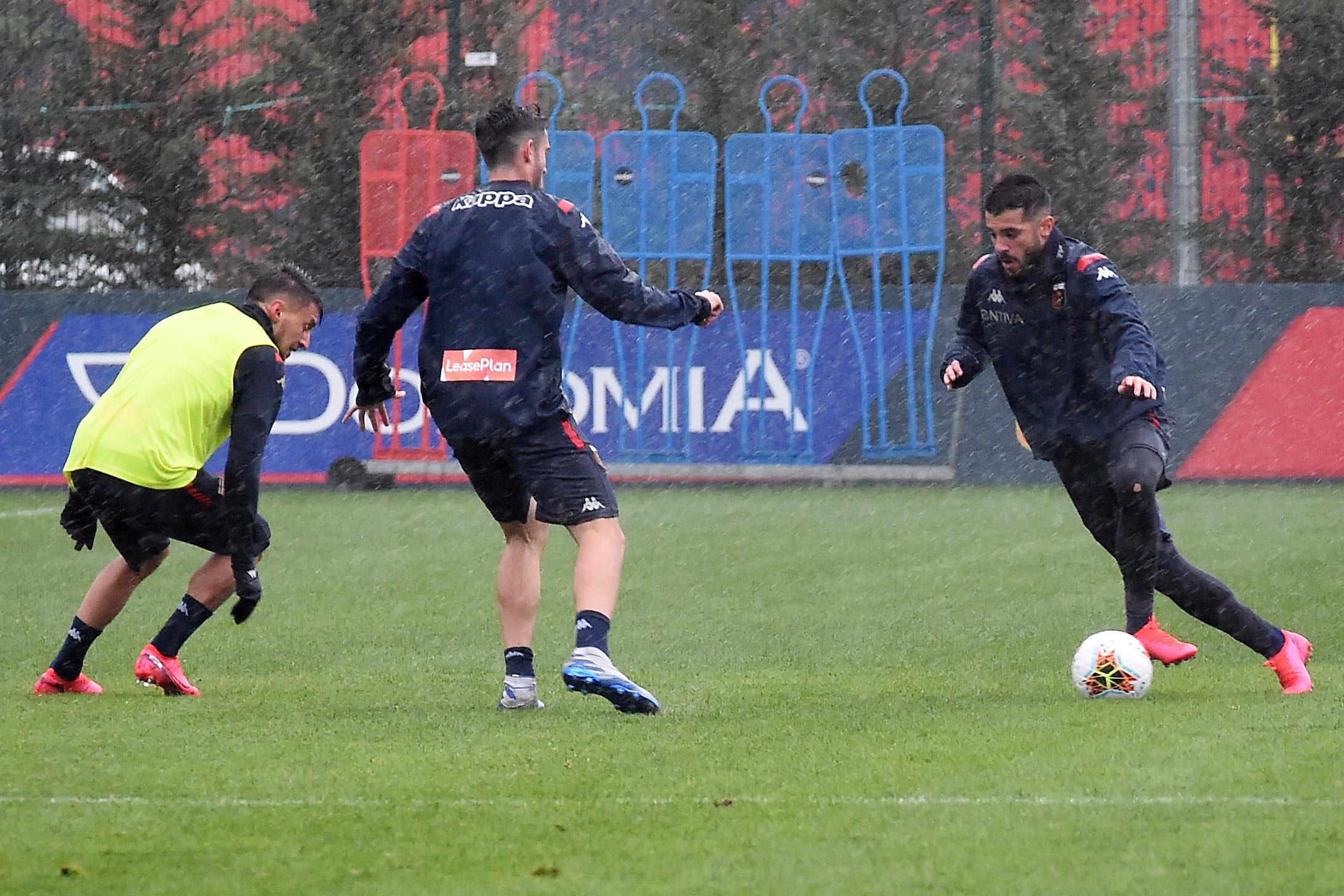 Genoa Iago Falque allenamenti